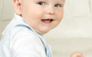 Развитие ребенка по месяцам до года: что должен уметь и таблица роста и веса