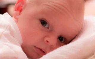 Подмывание новорожденного: как правильно держать, алгоритм действий