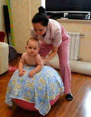 Гимнастика для ребенка в 3 месяца: правила проведения и список упражнений