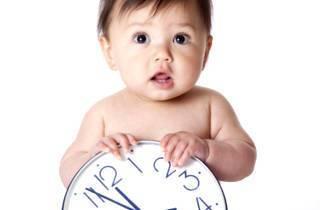 Распорядок дня грудничка по месяцам: рацион, меню, таблица