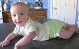 Развитие ребенка в 1 год: что должен уметь малыш и как с ним играть, основные навыки